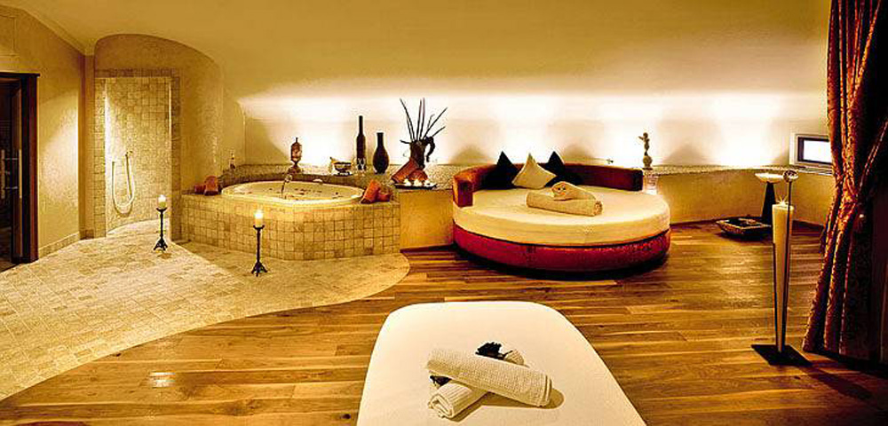 luxus wellness auf 4000 m2 spa wellness hotels in tirol. Black Bedroom Furniture Sets. Home Design Ideas